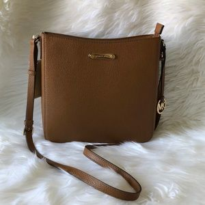 Michael Kors LG Jet Set Travel Messenger Crossbody